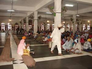 BANISH HUNGER WITH POWER OF DEVOTION IN THE SIKH'S WAY (4/6)